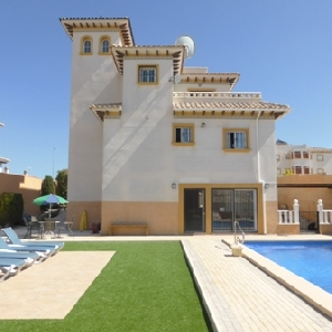 large 5 bedroom detached villa.
